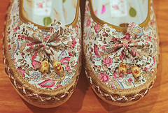 Flowers on your toes (leavillena) Tags: shoes generalphotography