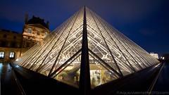 Louvre (AgusValenz) Tags: paris museum canon louvre 7d nocturna 10mm ef1022mm nighshoot