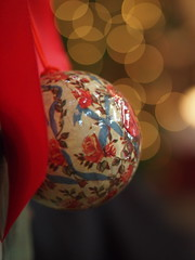 Christmas ball (Sparrow Ulm) Tags: pen bokeh olympus 45mm ep3 mzuiko mzuikodigital45mmf18 olympus45mmf18