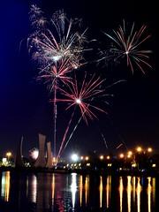 Pesta Kembang Api (qefy) Tags: hotel atlantis ancol pantai happynewyear putriduyung kembangapi tahunbaru2012