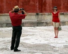 In love with red (yaxchibonam) Tags: red couple pareja mitla twittrd