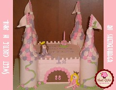 Castle cake for princess Eliza (Niki SG) Tags: cake snowman cookie princess dora cupcake sugarpaste boodies     sketiglyka