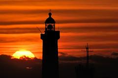 Couché de soleil à St Mathieu (2) (Brestitude) Tags: sunset lighthouse brittany bretagne breizh phare couchédesoleil finistère pointesaintmathieu brestitude