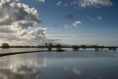 High tide in the IJssel (Edwin van Nuil Photography) Tags: landscape photowalk ijssel zwolle exif:iso_speed=100 exif:focal_length=24mm exif:make=sony camera:make=sony exif:aperture=80 nex7 sonynex7 zeisssonnarte24mmf18za camera:model=nex7 exif:model=nex7 exif:lens=e24mmf18za geo:lon=60483527777778 geo:lat=52507158333333