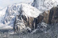 Winter Majesty - Bridalveil Falls and the hanging valley (mpurciel) Tags: yosemite sierras yosemitewinter bridaveilfalls