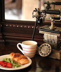 (mesha1990) Tags: old classic coffee breakfast pie phone mashaelaziz mesha1990