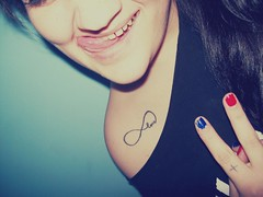 (carolinacenz) Tags: argentina girl tattoo buenosaires peace kodak paz tattoos easyshare tatuaje c813 kodakeasysharec813