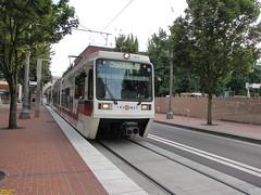 1996-1998 Siemens SD600 #217 (busdude) Tags: light max siemens rail area express trimet metropolitan 218 19961998 sd600