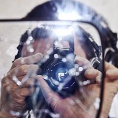 fb-doppelspiegelblitz (henscheck) Tags: spiegelung selbstportrait blitzlicht henteaser