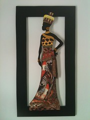 Q003 - Largura 30,5 cm x Altura 57,0 cm (isavesalli) Tags: africa arte artesanato quadro mimo artes decorao presente mandela soweto mdf angola moambique africana africanas savari guardanapos decoupagem decoupageafricaafricanaquadromdfdecoupagemdecoupage