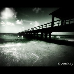 Sun Sea & Sandsetions @Fort Lauderdale (Bouksight) Tags: sky blackandwhite bw cloud clouds contrast square nikon noir noiretblanc miami atmosphere squareformat nuage nuages inkwell cloudporn skyporn lomofi blackwhitephotos nikond3 iphoneography instagram instagramapp uploaded:by=instagram instragram instagramer instagramuser skykingdom instagramhub
