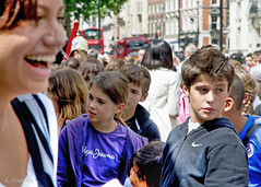 what's going on? (Keith.CA) Tags: summer england london students buses sunshine nikon candid tourists nikkor whitehall streetcandid 1685mm d3100