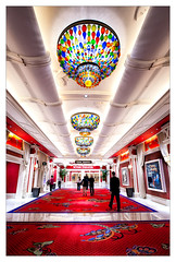 Wynn (bugeyed_G) Tags: architecture theater lasvegas interior nevada chandelier wynn blend qualitystructuresppf bugeyedg