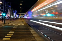 Full fart p Avenyn (johanbe) Tags: street city longexposure light color night gteborg evening nikon long exposure gothenburg tram gata natt stad sprvagn avenyn d90 kvll nikond90 lngexponering