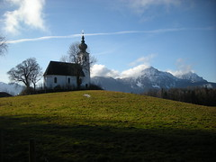 Johannishgl St. Johanneskirche (simo2582) Tags: trip travel wild panorama mountains alps travelling salzburg church beauty grass st germany landscape bayern deutschland bavaria austria sterreich reisen europa europe view natural border oberbayern wiese kirche hills upper alpine land alpen wald blick reise baviera grenze freilassing salzburger johanneskirche berchtesgadener rupertiwinkel flickraward johannishgl flickraward5 flickrawardgallery flickrtravelaward