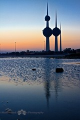 Kuwait Tower Early morning (Ghostlyklr) Tags: morning beach water canon 28mm earlymorning 7d kuwait kuwaittower