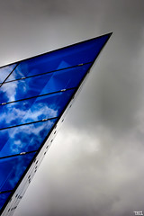 How sharp is your blue ? (Teo Morabito) Tags: blue sky reflection glass clouds composition contrast work grey nice singapore shot very great sharp well balanced photosteomorabitocom wwwphotosteomorabitocom wwwteomorabitocom teomorabito
