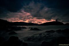 Le temps se gte-2... (bonacherajf) Tags: corse vagues plage rochers tourgnoise fautea