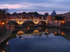 Roma, il Tevere (antony5112) Tags: travel italy rome roma italia bridges sunsets rivers tevere tramonti sanpietro viaggi ponti fiumi top20bridges