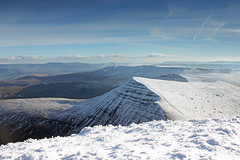Snowy Cribyn (Taracy) Tags: mountain snow breconbeacons beacons penyfan cribyn blinkagain penyfan28january2012