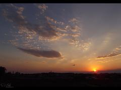 (Sebastin Colmn) Tags: sunset sky cloud sun sol atardecer horizon cielo finepix fujifilm nube horizonte s2950