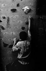 #5 (Clment G) Tags: bw 50mm lyon pentax kodak tmax dirty climbing 400 insa pushed 3200 mx escalade f17
