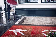 (Ana Elorza) Tags: rain lluvia paraguas donostia