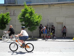 cops just chillin' (citymaus) Tags: sf sanfrancisco street city streets publicspace cops open cities police third bayview urbanism sfpd dogpatch officers 2016 livable sundaystreets