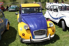 Citron 2cv (alex73s https://www.facebook.com/CaptureOfAlex?pnr) Tags: auto old blue classic car yellow jaune canon french automobile european francaise transport citroen automotive voiture retro bleu coche 2cv oldcar ancienne vehicule deuche rassemblement deudeuche europeenne