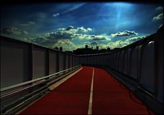 (jordi.martorell) Tags: geotagged nikon stadium olympic guesswherelondon 1855mmf3556g 2012 greenway london2012 bryantandmay gwl d40 nikond40 guessedbyrobbeer cruzadasi