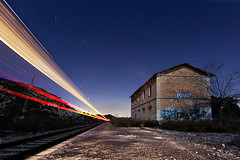 playing trains (raul_lg) Tags: sky lightpainting luz train canon stars tren murcia cielo estrellas estacion nocturna vias abandonada maglite3d raullg