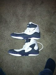 grey black nike inflicts (nickymagss1 (wants og inflicts)) Tags: shoes wrestling nike og asics wrestlingshoes nikewrestling nikewrestlingshoes rulons inflicts