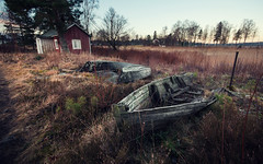 Where he lived (- David Olsson -) Tags: trees plants house abandoned broken field rural boats wooden nikon sweden decay sigma pole worn 1020mm 1020 hammar vrmland oldhome drygrass d5000 lvns 2exposuremanualblend