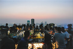 Moon Bar crowd (sccart) Tags: thailand bangkok banyantreehotel moonbar viewsofthecity thsathontai