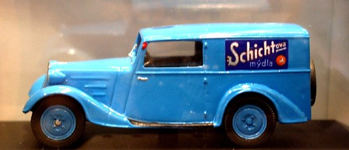Foxtoys Tatra 57A van