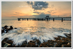 singapore : labrador park - sunset wave (fiftymm99) Tags: bridge sunset seaweed beach nature water seaside singapore waterfront wave splash reserved refelction d300 labradorpark fiftymm nikond300 magicalskies fiftymm99 gettyimagessingaporeq2