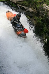 Bryan Swhartz styling Nuno Bei creek Kayaking extreme Japan