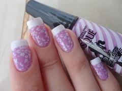 Charminho Lilás,Risque + BM 221 + Inglesinha (Lady_Yaya) Tags: nail inspired polish nails bm 221 risque chloes unha carimbo inglesinha carimbada penelopecharmosa charminholilas bundlemonster