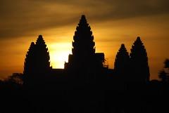 2012 03 04 - 234427z - Angkor Wat, sunrise - U 020