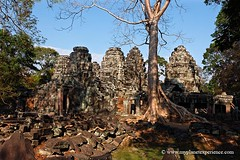 Entry towers at Prasat Banteay Kdei - Angkor, Cambodia (My Planet Experience) Tags: architecture canon temple ruins asia cambodia southeastasia khmer buddhist angkorwat monastery thom siemreap angkor archeology angkorthom banteaykdei gopuram prasat wwwmyplanetexperiencecom myplanetexperience