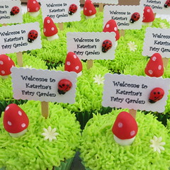 Fairy Garden Cupcakes (*sugar ribbons* - Susara) Tags: fairy toadstool