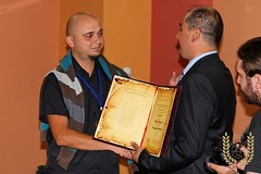 "Mane Manushev - the winner of the award ""Enhalon"" for 2013 and Mite Stefoski, the general manager of SPE"