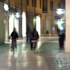 bicicletas -explore- (archifra -francesco de vincenzi-) Tags: street italy bicycle square strada bicyclist vélo ravenna carré cykel bicicletta 自転車 велосипед rothar archifraisernia francescodevincenzi photodelavie baaskiil