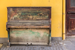 Old Piano (Ali Sabbagh) Tags: world street old music color yellow canon photography piano eos7d