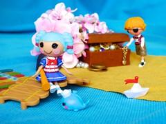 Marina loves the ocean (Ibeltje) Tags: island treasure mini lalaloopsy patchtreasurechest marinaanchors