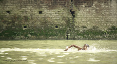 Splash (Oswald King) Tags: kolkata ganges dakshineswar 55250mm 1000d gannga