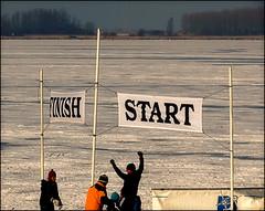 Finishfoto/fotofinish (Duevel) Tags: start sneeuw finish ijs koud fotofinish binnenschelde verward schaatstocht finishfoto overmoedig gadoornaarstart tevroegbijdefinish