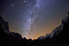 Between Heaven and Earth (Anton Jankovoy (www.jankovoy.com)) Tags: park nepal sky mountains night way stars la pass national milky cho himalayas  sagarmatha   2011   solukhumbu
