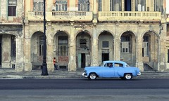 Urban decay in Havana (The Globetrotting photographer) Tags: havanacuba avana  habanacuba  havanastreetscene