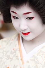 Elegant (Teruhide Tomori) Tags: portrait festival japan kyoto traditional grace geiko 京都 日本 kitano kimono teaceremony 北野天満宮 着物 baikasai 芸妓 kamishichiken 上七軒 梅花祭